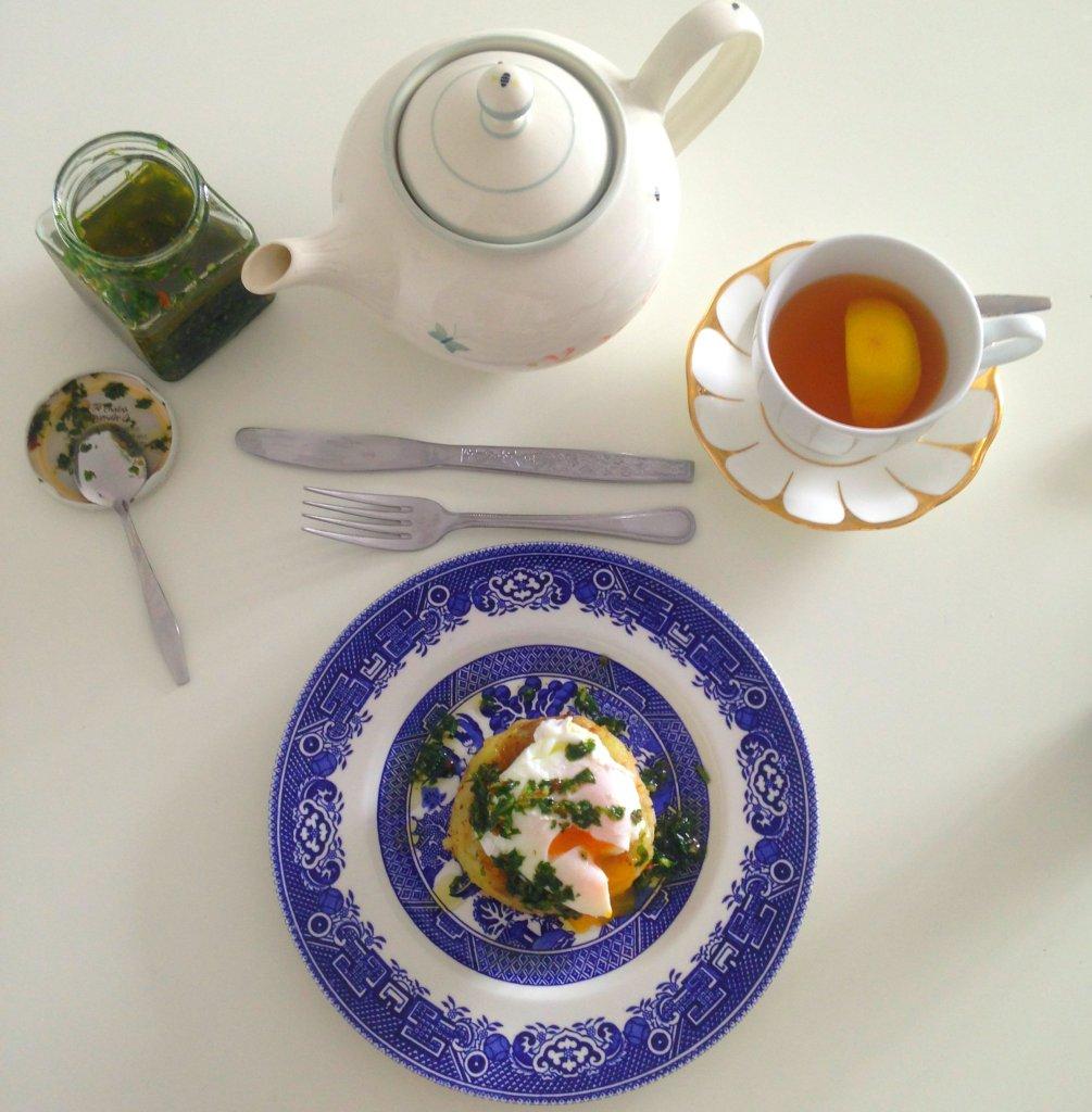 Breakfast table all set